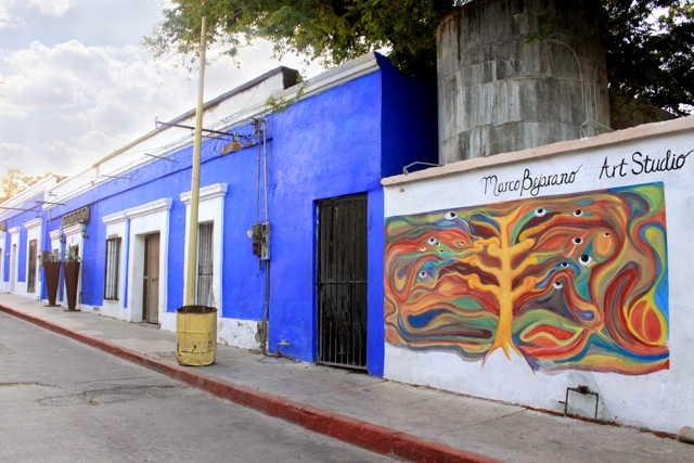 Art galleries and colorful buildings in the center of San José del Cabo